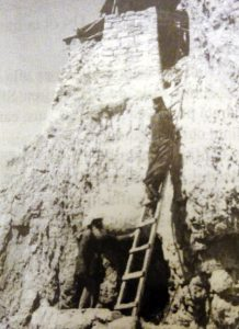 9-sf-cuv-ioan-iacob-de-la-neamt-hozevitul-1960-17-scara-cu-care-se-urca-la-chilia-sf-ioan